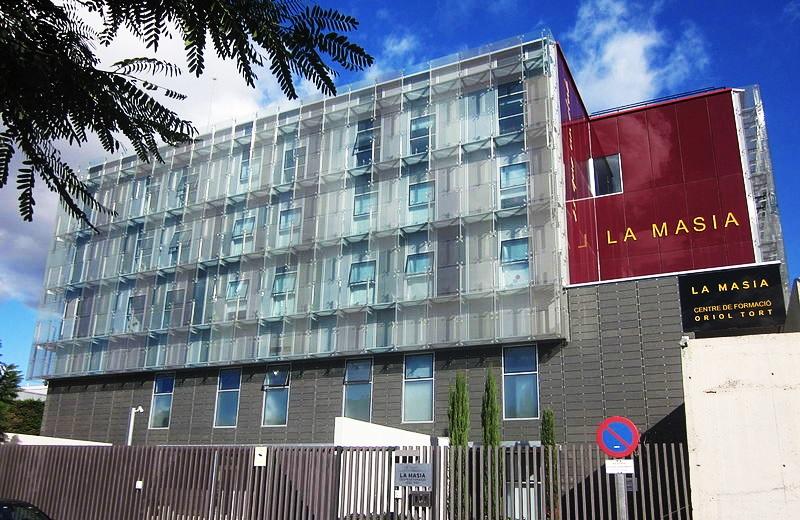 fc barcelone procès façade la masia
