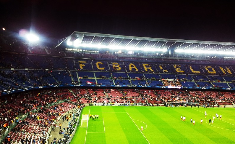 fc barcelone contrat naming
