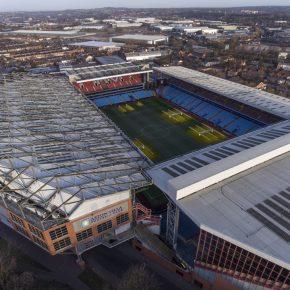 Aston Villa lance sa carte prépayée sans contact